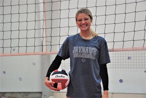 Muskegon Community College volleyball player perseveres through pain, and she'd do it all over again