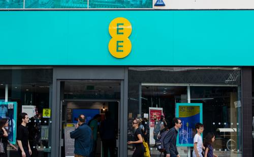 EE brings EU roaming charges back