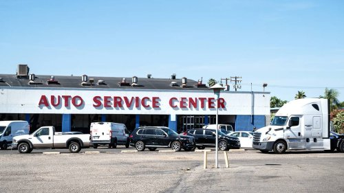 After 68 years, Modesto auto care business closes part of shop. New retailer moves in