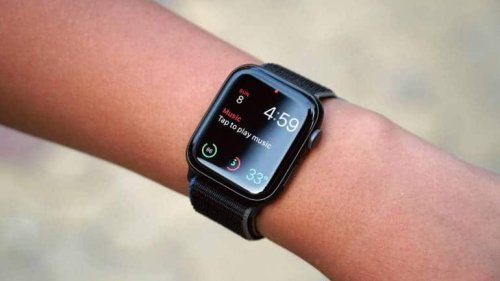Apple Watch SE Review: Best Smartwatch For IPhone Or Should You Pick Apple Watch Series 6?