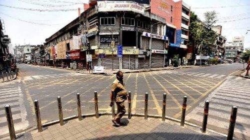 Weekend Lockdown Empties Delhi's Streets Amid Major COVID-19 Surge