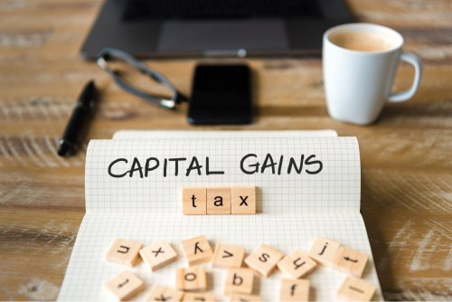Capital Gains vs. Income Tax — Why Investors Pay Less Than Employees