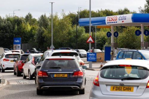 Fuel shortages pressure Johnson as UK crisis escalates