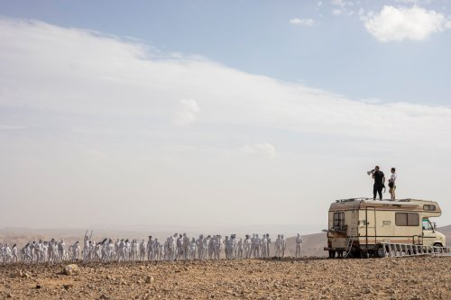 Rund 200 Nackte posieren für Kunstaktion am Toten Meer