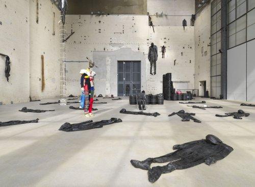 An der Schnittstelle: Alexandra Bircken erkundet in Berlin die Grenzen des Körpers