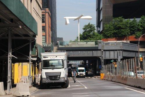 Die Schrecken des Drohnenzeitalters: Neue Skulptur von Sam Durant auf New Yorker High Line