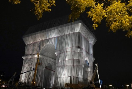 Verhüllter Triumphbogen in Paris: Eine geschenkte neue Leichtigkeit
