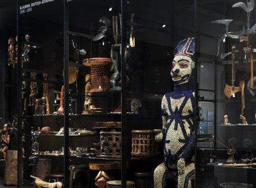 """Ethnologische Museen im Humboldt Forum: Das Problem mit dem """"Menschheitsmosaik"""""""