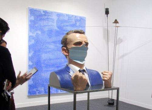 Pariser Kunstmesse Fiac eröffnet - Büste von Macron für 80 000 Euro