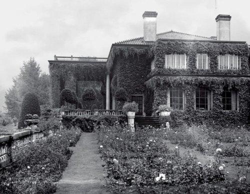 Vancouver's Stately Edwardian Haunted Manor