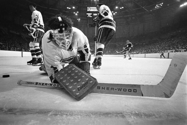 These Rare Archival Photos of the Canucks Capture the Team's Early Heroes