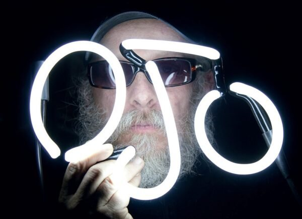 Meet Vancouver's Last Light Bender, a Master of Neon Signs