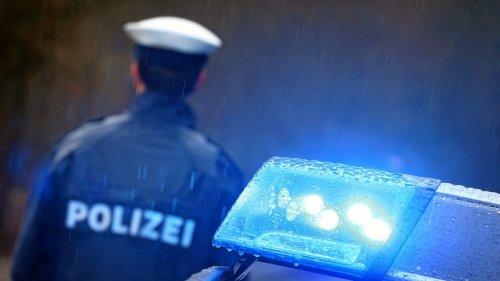 Friedrichshain: Fußgängerin von Auto angefahren und verletzt