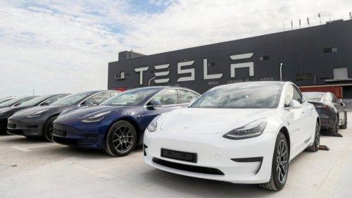Tesla: Tödlicher Unfall mit E-Auto: Saß niemand am Steuer?