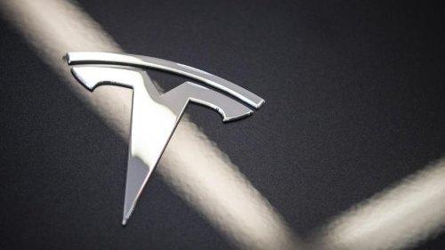 Zwei Tote bei Unfall mit vermutlich fahrerlosem Tesla