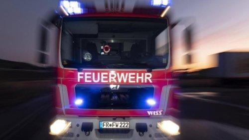 Feuer in Berliner Hochhaus: Müllraum brennt