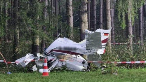 Kleinflugzeug stürzt im Ostallgäu ab - zwei Schwerverletzte