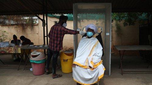 Indische Doppel-Mutation: Forscher alarmiert - Impfung unwirksam?