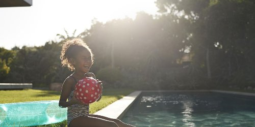 9 super fun (and safe) swimming pool games to try this summer
