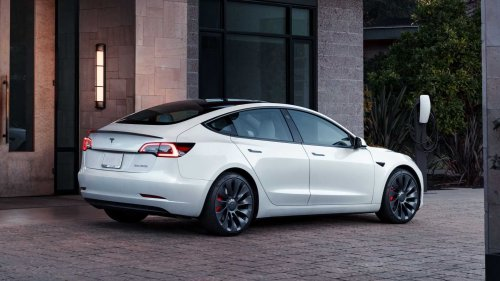 Analysis: Tesla Model 3 charges faster at CCS2 than Supercharger