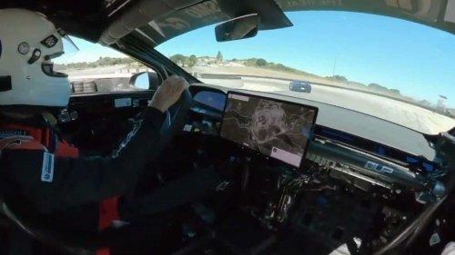 Watch How Easily Tesla Model S Plaid Beats A Lamborghini Huracan