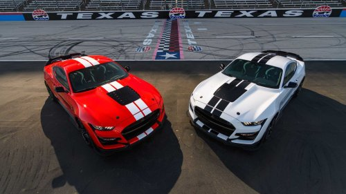 Ford Performance Launches Carbon Fiber Parts For Mustang Shelby GT500