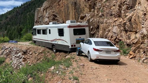 Stuck RV Dangling Over Cliff Leaves Owner Waiting A Week For Rescue