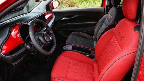 Bono Vox präsentiert (nicht nur) einen neuen roten Fiat 500 e