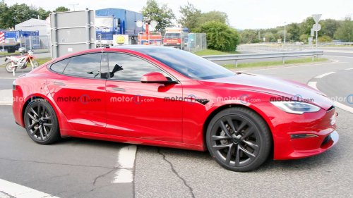 Tesla Model S Plaid spied at rhe Nurburgring, record attempt planned?