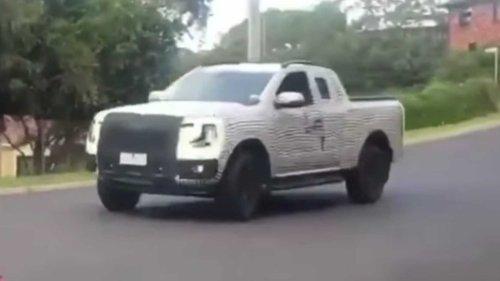Flagra: Nova Ford Ranger aparece na versão cabine estendida
