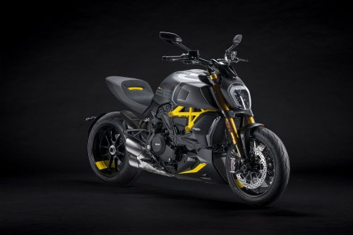 2022 Ducati Diavel 1260 S Black and Steel First Look