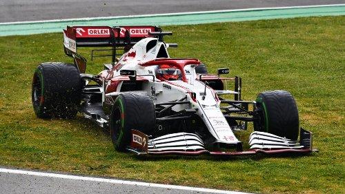 Penalità per Raikkonen che perde i punti. Alonso 10°