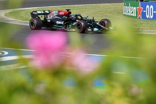Hamilton dément l'idée 'bête' selon laquelle il a ralenti les Red Bull