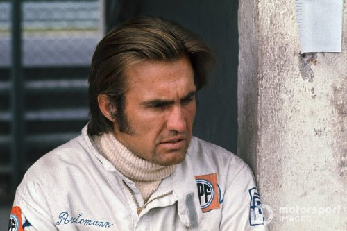 Ex-F1 star Carlos Reutemann moved to intensive care