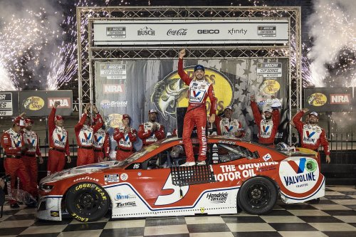 Bristol NASCAR Cup: Larson grabs win after Elliott and Harvick tangle