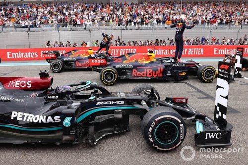 Mercedes can still stop Red Bull's F1 title charge 'if we perform at our best'