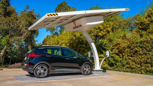 This Solar-Powered EV Car Charger Doesn't Need No Stinkin' Grid
