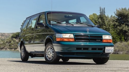 So, I Bought a 1994 Dodge Caravan With a Manual Transmission