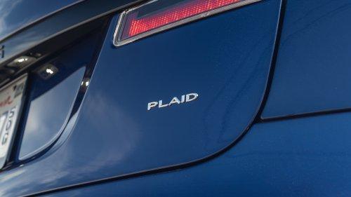 2021.5 Tesla Model S Has Hidden, Physical Shifter Controls