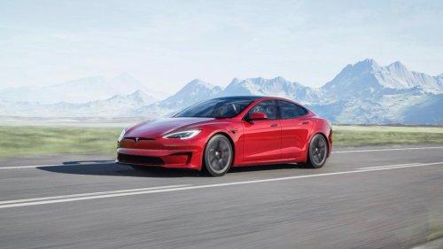 2022 Tesla Model S Buyer's Guide: Reviews, Specs, Comparisons