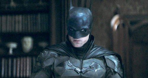 The Batman Fans Are Loving Robert Pattinson's Dark Knight Voice