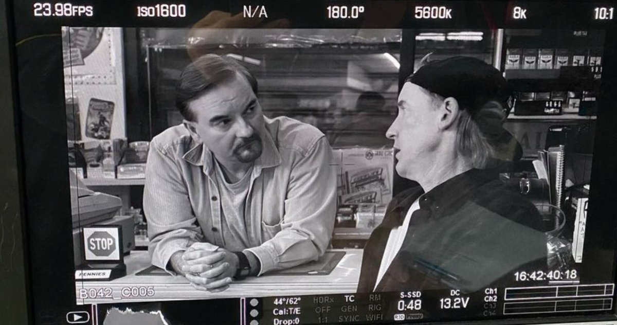 Clerks III Goes Meta by Recreating Shots from the Original Movie