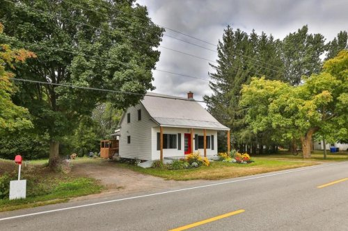 This Tiny Quebec Home For Sale Hides A Chic Modern Interior & It's Only $249,000 (PHOTOS)