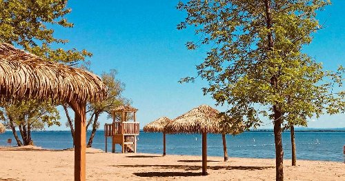 Saint-Zotique Beach Just Announced Its Reopening Date