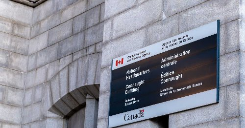 Here's What To Do If You Missed Yesterday's Income Tax Deadline For CRA Or Revenu Québec