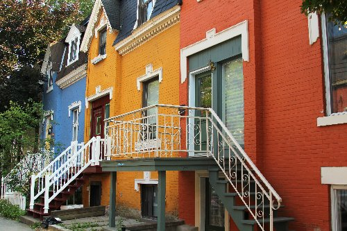 Here's How Much You Need To Make To Live 'With Dignity' In 7 Quebec Cities