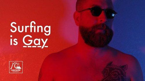 Surfing Is Gay: la surf culture rivoluzionata dall'arte di Stephen Milner [Video]