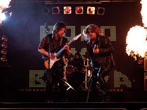 """TheDoDo und Bausa sind Rockstars aus den Siebzigern – """"Rockstar"""" (Musikvideo)"""