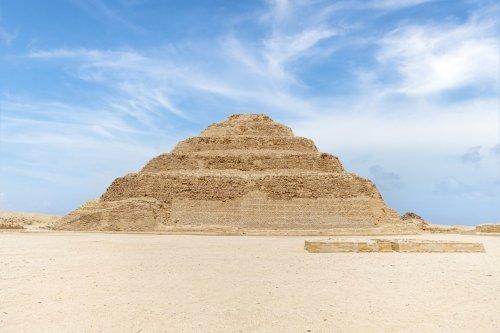 ¿Cuál fue la primera pirámide del mundo?