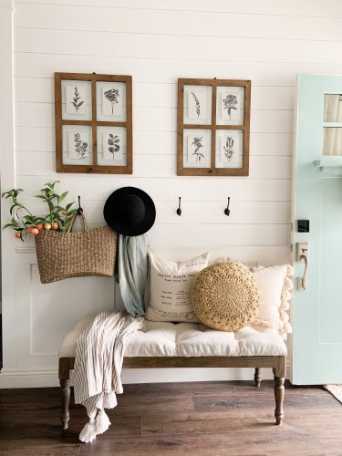 20 Cozy and Inviting Farmhouse Entryway Ideas You're Going to Love